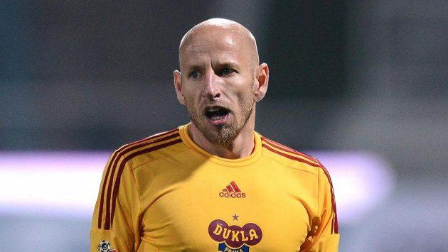 Zklamaný kapitán Dukly Patrik Gedeon během zápasu s Plzní.