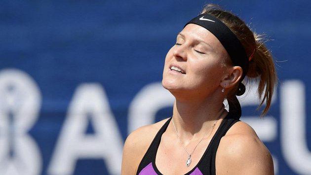 Zklamaná česká tenistka Lucie Šafářová musela odstoupit z turnaje v Madridu.