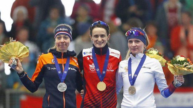 Zlato je na krku. Martina Sáblíková vybojovala na MS v Německu první místo na trati 5000 metrů a dosáhla na devatenáctý světový primát v kariéře.