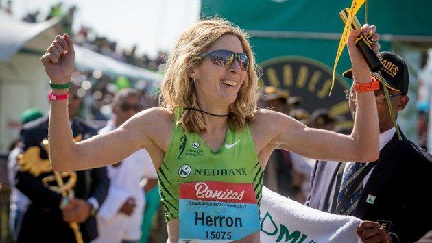 Camille Herronová, kromě jiného vítězka Comrades Marathon 2017.