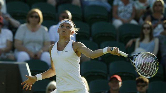 Česká tenistka Lucie Šafářová v úvodním kole Wimbledonu.