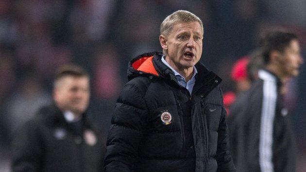 Trenér Sparty Praha Zdeněk Ščasný během derby se Slavií.
