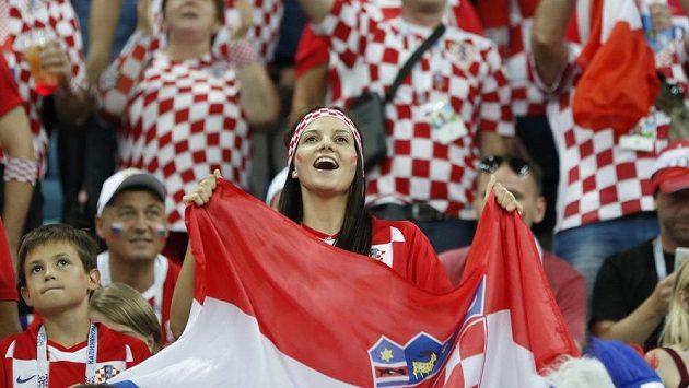 Chorvatští fanoušci během čtvrtfinálového zápasu s Ruskem během MS ve fotbale.