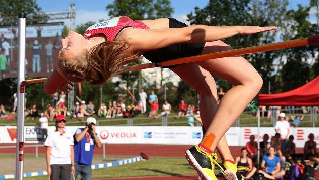 Výškařka Michaela Hrubá při mistrovství republiky v Táboře.