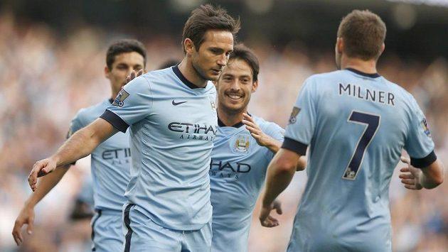 """Záložník Manchesteru City Frank Lampard po vyrovnávací trefě proti """"své"""" Chelsea."""