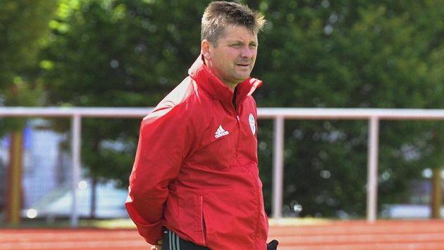 Fotbalisté Mladé Boleslavi zahájili přípravu na novou sezónou. Na snímku je generální sportovní manažer klubu Dušan Uhrin mladší.