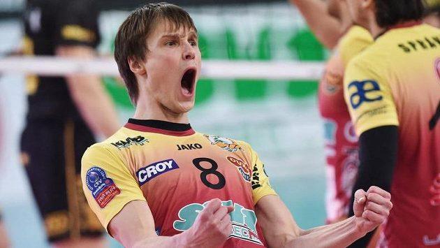 Jakub Janouch z Liberce se raduje z výhry.