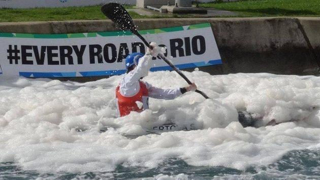 Cestu do Ria může vodním slalomářům v Londýně znepříjemňovat hustá pěna, což na vlastní kůži pocítila i Štěpánka Hilgertová.