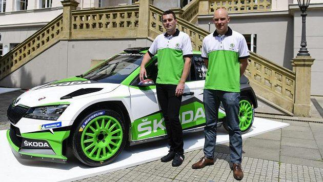 Rallyeový jezdec Jan Kopecký (vlevo) a spolujezdec Jan Hloušek.