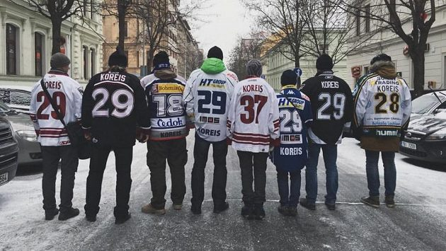 Rodinný fanklub Jakuba Koreise.