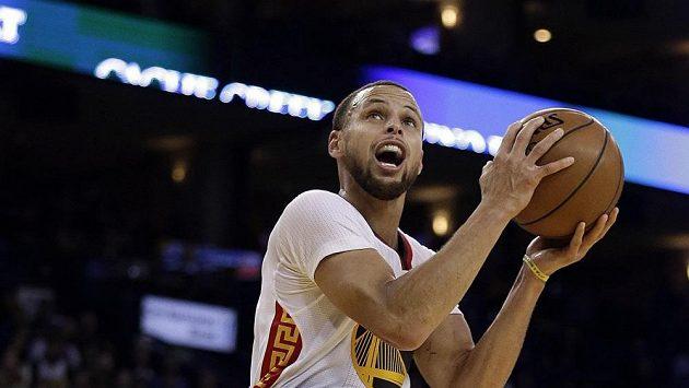Stephen Curry zaznamenal proti Clippers 43 bodů.