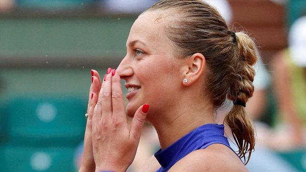Upřímná radost Petry Kvitové z postupu do 2. kola Roland Garros.