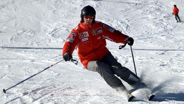 Němec Michael Schumacher při lyžování.