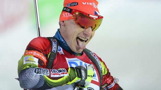 Ondřej Moravec (na snímku v cíli) obsadil ve vytrvalostním závodě na 20 kilometrů čtvrté místo.