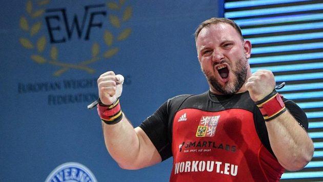 Vzpěrač Jiří Orság při letošním mistrovství Evropy v Bukurešti.