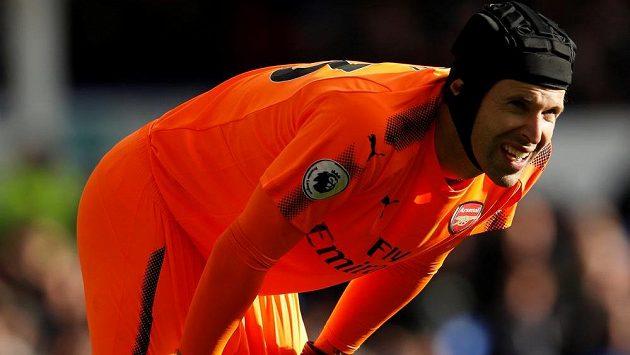 Brankář Arsenalu Petr Čech se koncentruje během utkání Premier League. Reflex je pro brankáře základ...
