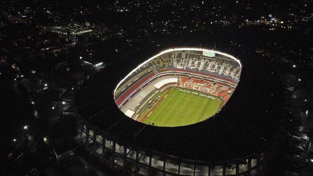 Ani fotbal na prázdných stadionech bez diváků není řešením.