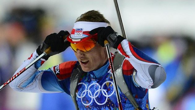 Ondřej Moravec na trati mužské biatlonové štafety na olympiádě v Soči.
