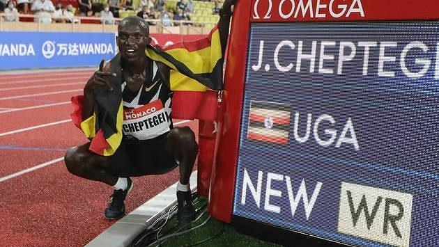 Joshua Cheptegei na mítinku Diamantové ligy v Monaku překonal světový rekord v běhu na 5000 metrů