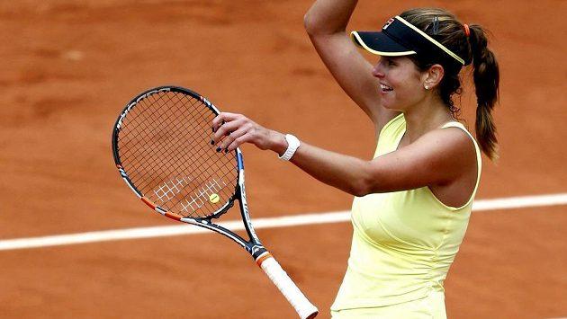 Německá tenistka Julia Görgesová jásá poté, co v Paříži vyřadila pátou nasazenou Dánku Caroline Wozniackou.