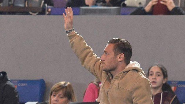 Francesco Totti z AS Řím na tribuně během utkání Serie A s Palermem.
