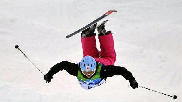 Česká akrobatická lyžařka Nikola Sudová