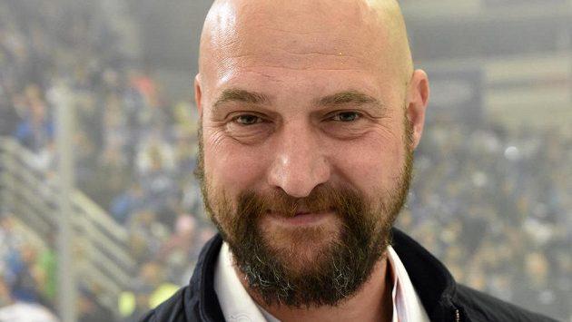 Trenér Brna Libor Zábranský se zlatou medailí za vítězství v extralize.