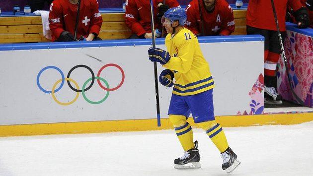 Daniel Alfredsson rozhodl, Švédové vyhráli dlouho vyrovnanou bitvu se Švýcary.