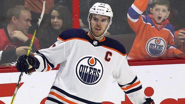 Kapitán Edmontonu Connor McDavid.