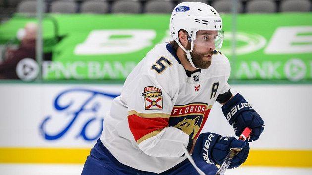 Obránce Aaron Ekblad už Floridě v základní části NHL nepomůže.