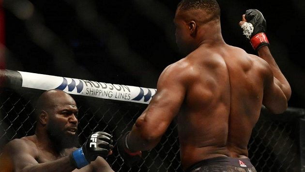 Jairzinho Rozenstruik přišel jako neporažená těžká váha, odešel s výpraskem, když si ho podal Francis Ngannou na UFC 249.