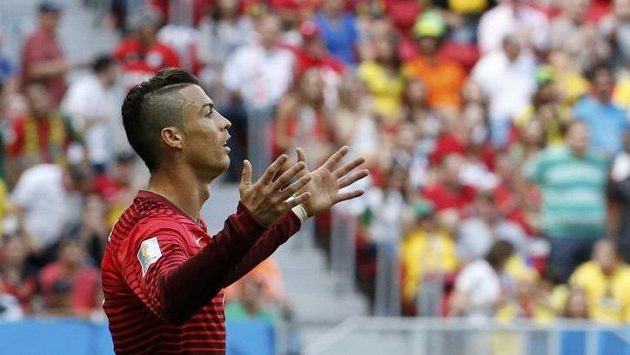 Cristiano Ronaldo v utkání s Ghanou.