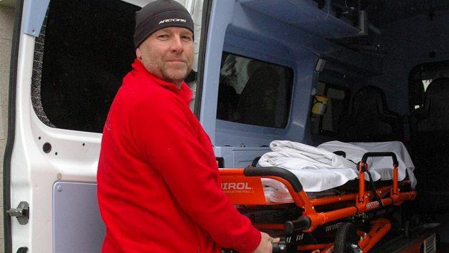 Bránil hvězdy Liverpoolu, teď šestačtyřicetiletý bývalý fotbalista Liberce Josef Lexa pracuje v nemocnici, kde vozí sanitkou pacienty.