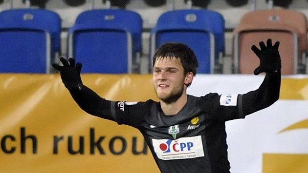 Jablonecký Valerijs Šabala se raduje z gólu proti Slovácku.