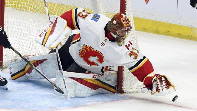 Hokejový brankář David Rittich vychytal pro Calgary další výhru.