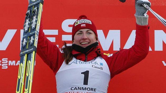 Polská běžkyně na lyžích Justyna Kowalczyková slaví úspěch v závodech SP v kanadském Canmore