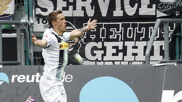 Fotbalista Borussie Mönchengladbach Max Kruse se raduje z gólu.