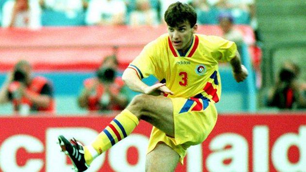 Rumunský fotbalový obránce Daniel Prodan na archivním snímku z MS v roce 1994.