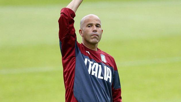 Luigi Di Biagio povede národní tým Itálie.