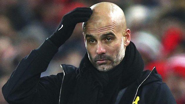 Pep Guardiola své svěřence varoval, aby nepřipustili popdobný kolaps jako loni.
