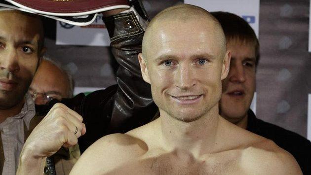 Český boxer Lukáš Konečný před sobotním zápasem proti Rusovi Zaurbekovi Bajsangurovi hýří dobrou náladou.