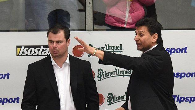 Trenér české hokejové reprezentace Vladimír Růžička (vpravo) a asistent Jaroslav Špaček.