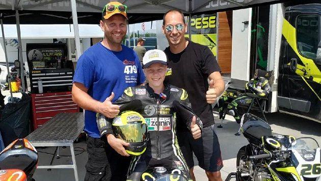 Lukáš Pešek má zkušenosti z elitních závodů MS silničních motocyklů, ve Víťovi Markovi, který jezdí motokros, vidí ohromný talent.