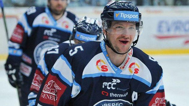 Ladislav Šmíd z Liberce se raduje z gólu.