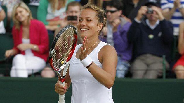 Barbora Záhlavová-Strýcová je po výhře nad Caroline Wozniackou ve čtvrtfinále Wimbledonu, kde se utká s Petrou Kvitovou.