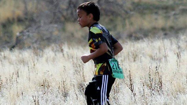 Malý bojovník na trati padesáti mil.