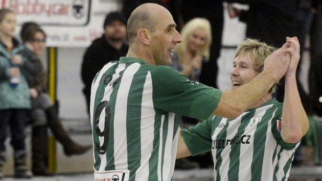 Radost z gólu Jana Kollera (vlevo) nikdy neomrzí.