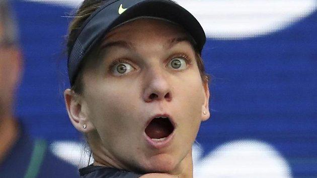 Simona Halepová během druhého kola US Open, v němž překvapivě prohrála.