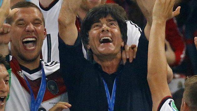 Trenér Joachim Löw dovedl Německo k titulu mistrů světa.