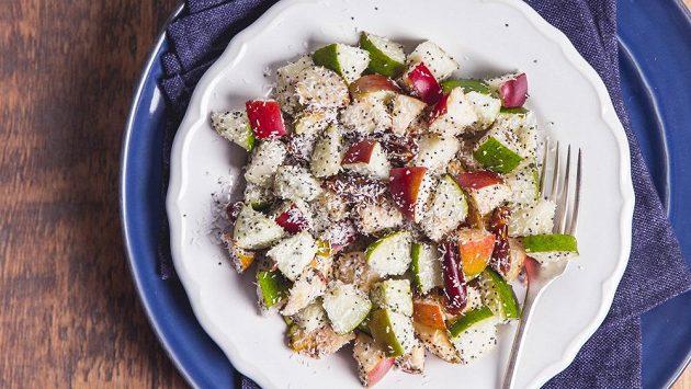 Ovocný salát s mákem. Nemáte chuť vyzkoušet?